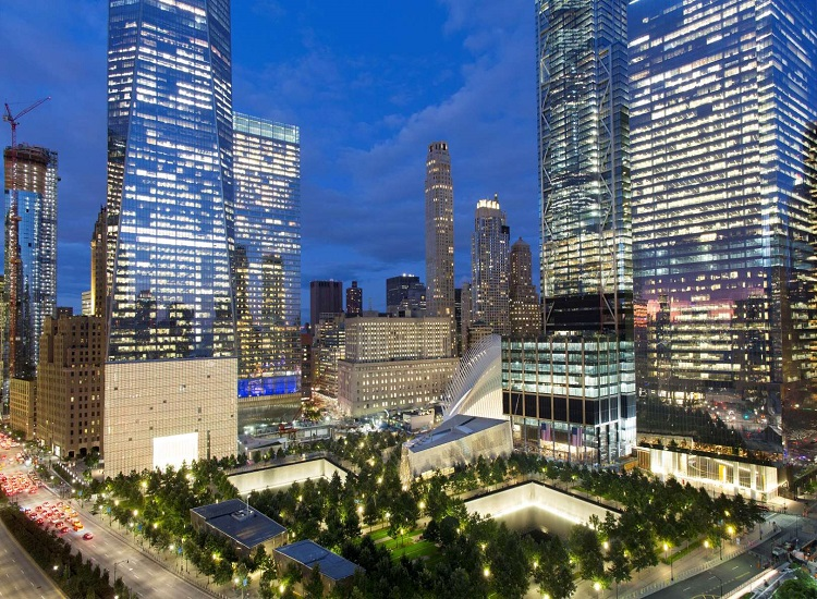 US commemorates 9/11; thousands expected at ground zero.