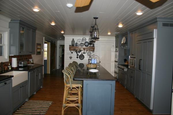 909 Kitchen