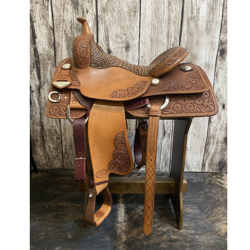 Lady Cowhorse Bobs Custom Saddles