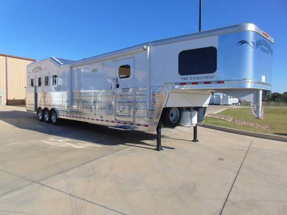 2017 Bloomer PC Load 4 Horse with Living Quarters