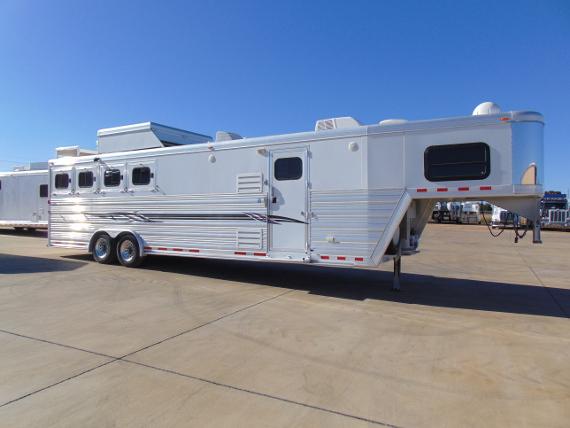 2011 Cimarron 4 Horse with 14