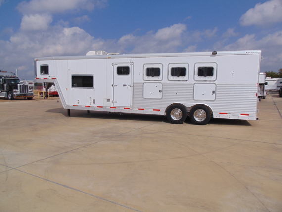 2007 Exiss 4 Horse with 10