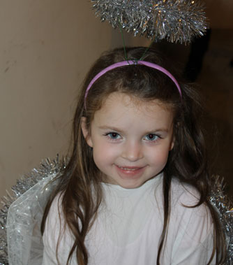 Christmas Pageant: she is ready to perform