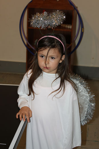 Christmas Pageant: sweet angel