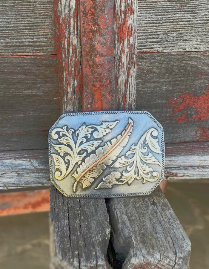 Buckle Feathered Scroll