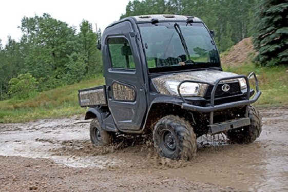 rtvx 1100 air conditioned cab in mud