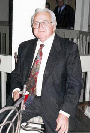 Earl Hollingsworth Obituary